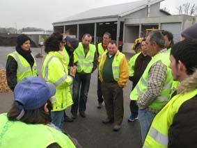 L'équipe d'Axalys, l'équipe peinture et des salariés de l'Entreprise adaptée visitent le Pôle Environnement à Salvaza avec Virginie et Nashira du COVALDEM 11